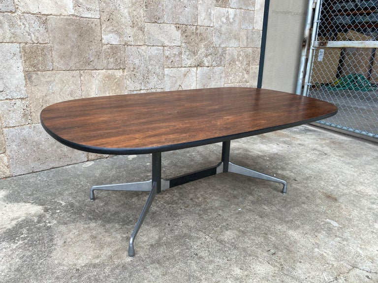 Mid-Century Modern Herman Miller Eames Conference or Dining Table in Brazilian Rosewood For Sale