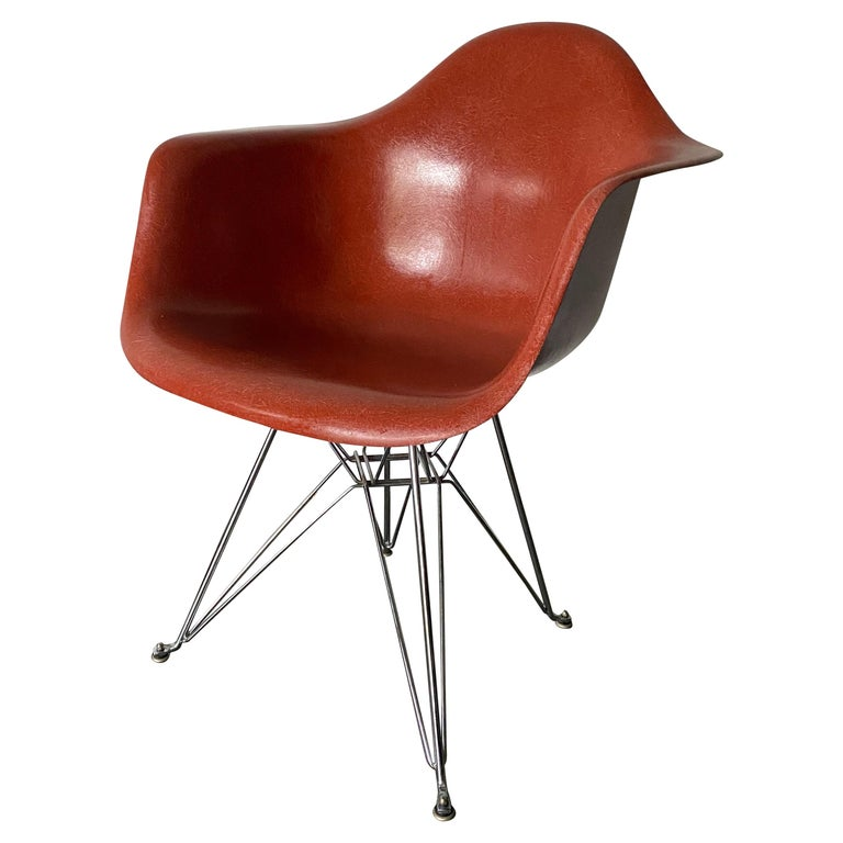 Herman Miller Eames DAR Fiberglass Chair For Sale