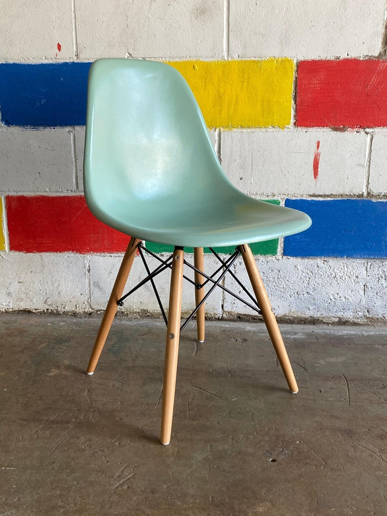 Mid-Century Modern Herman Miller Eames Dining Chairs in Seafoam Green For Sale