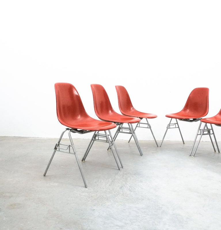 Mid-Century Modern Herman Miller Eames Dining Chairs Terracotta, circa 1970 For Sale