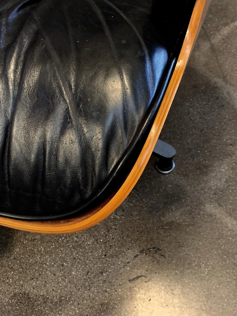 Tall Herman Miller Eames Lounge Chair and Ottoman For Sale 6