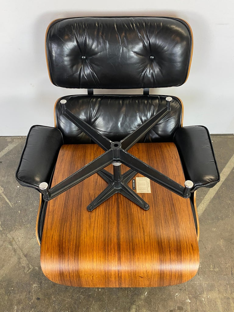 Herman Miller Eames Lounge Chair and Ottoman For Sale 7