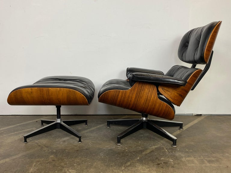 Mid-Century Modern Herman Miller Eames Lounge Chair and Ottoman For Sale