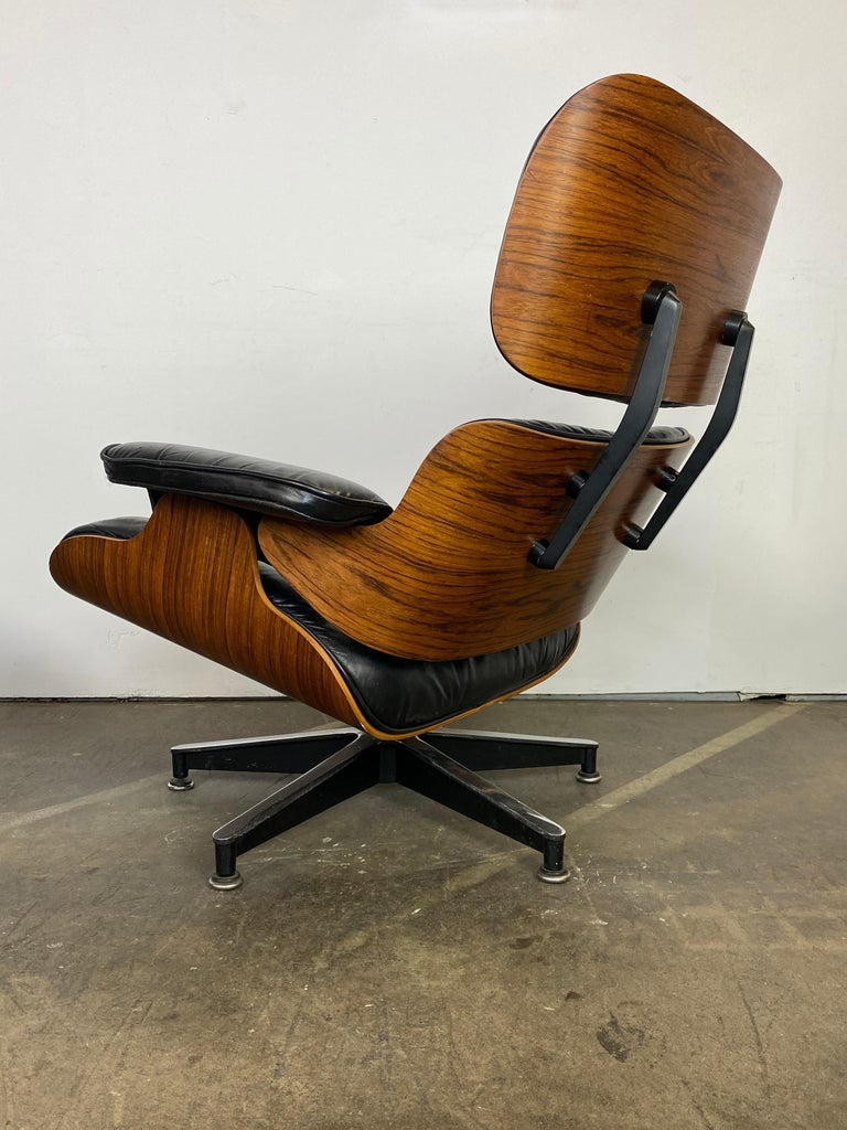 20th Century Herman Miller Eames Lounge Chair and Ottoman For Sale