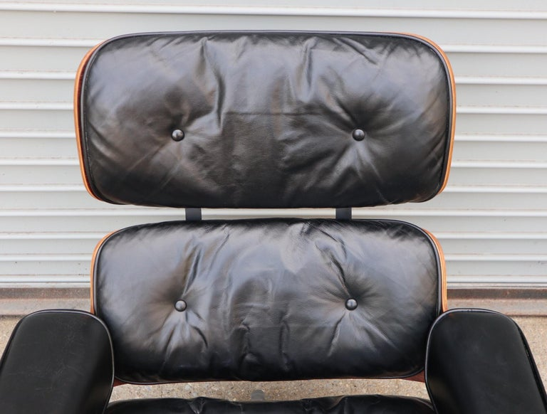 Herman Miller Eames Lounge Chair and Ottoman in Rosewood 7