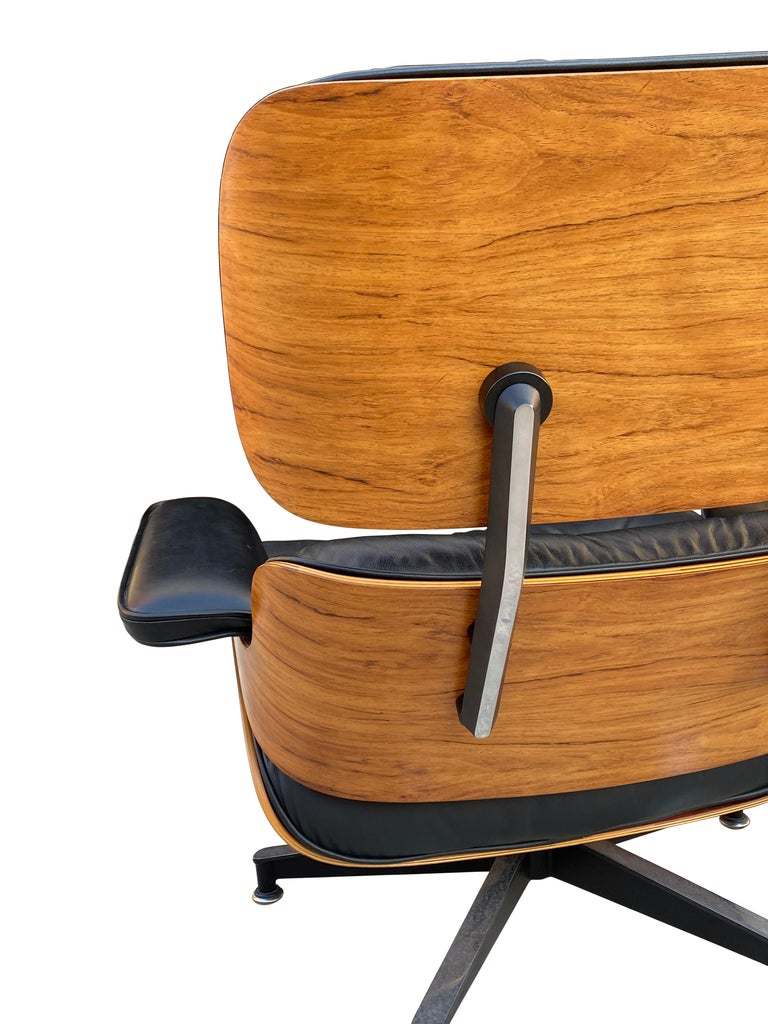 Herman Miller Eames Lounge Chair and Ottoman with Black Leather For Sale 4