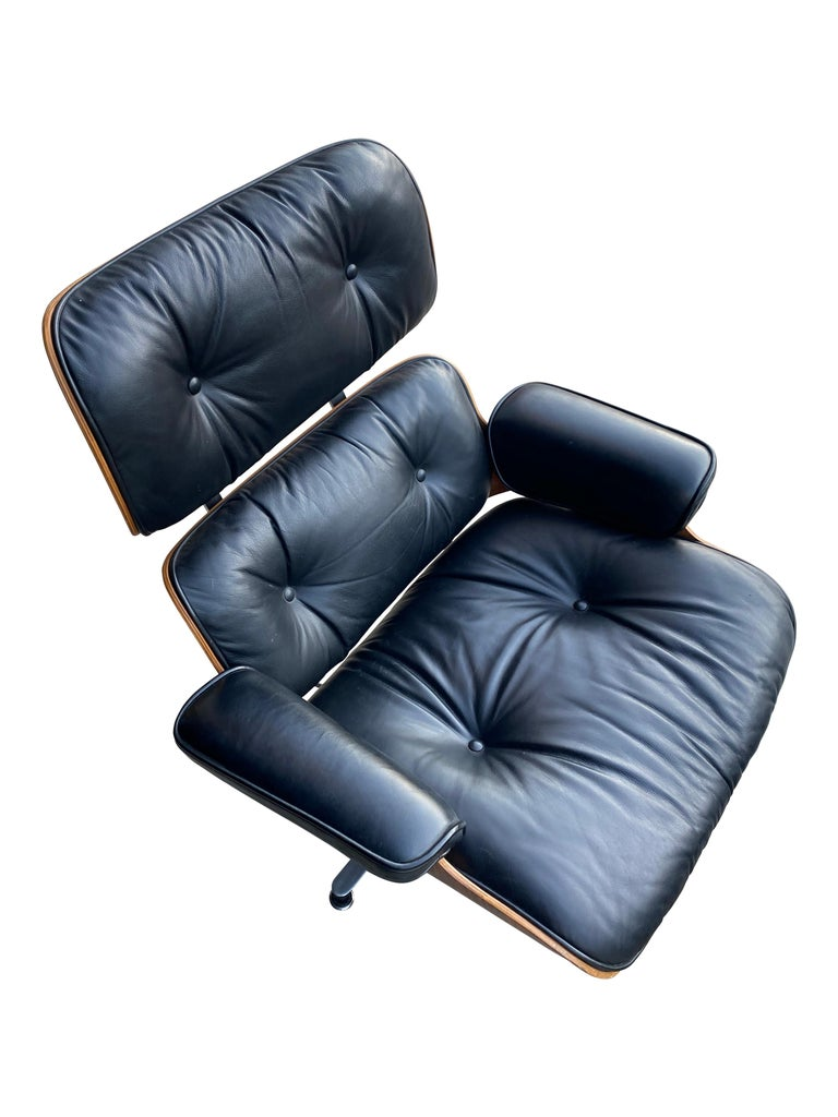 Herman Miller Eames Lounge Chair and Ottoman with Black Leather For Sale 18
