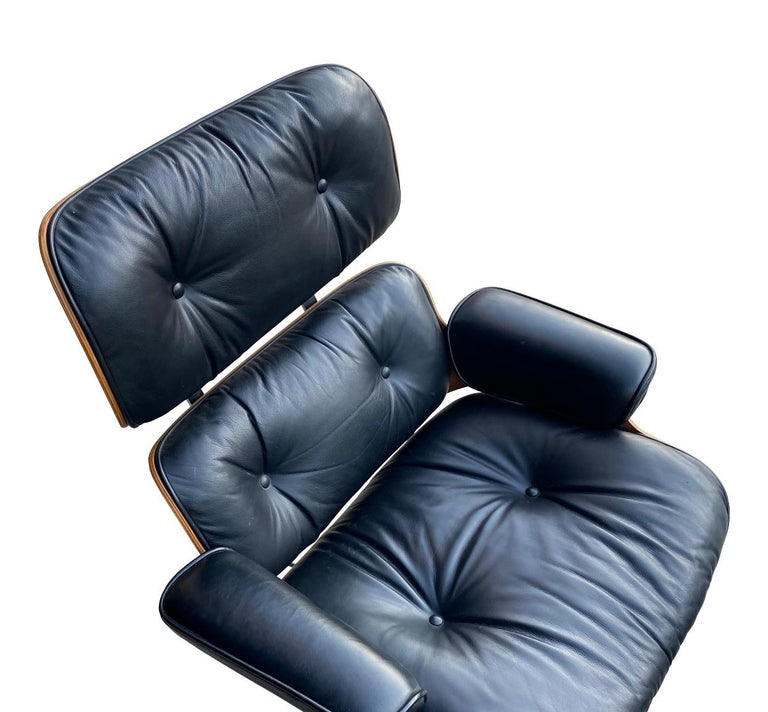 Herman Miller Eames Lounge Chair and Ottoman with Black Leather For Sale 19