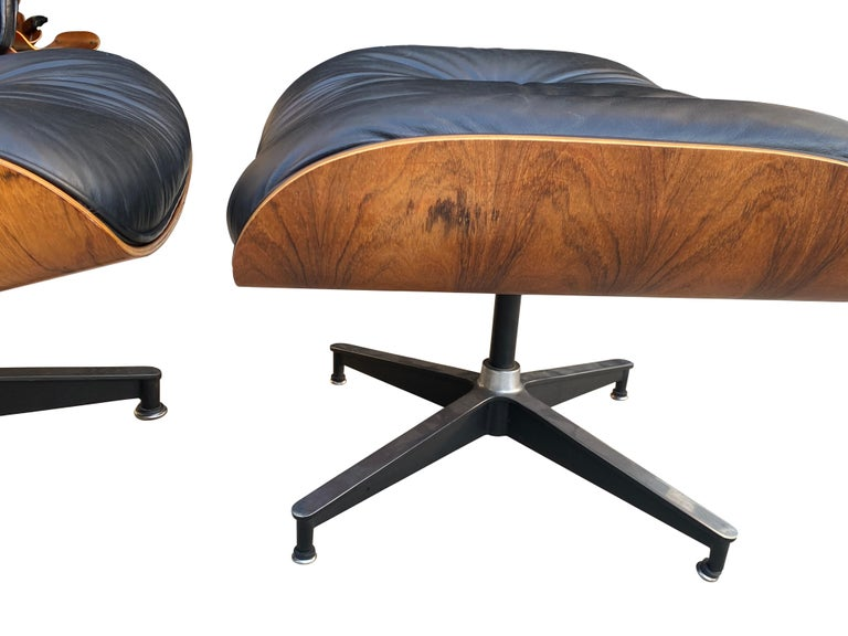 Herman Miller Eames Lounge Chair and Ottoman with Black Leather In Good Condition For Sale In Brooklyn, NY
