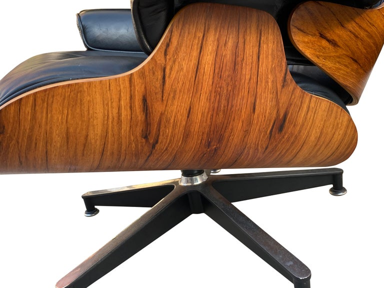 Herman Miller Eames Lounge Chair and Ottoman with Black Leather For Sale 1