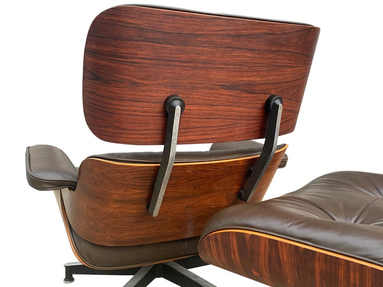 Herman Miller Eames Lounge Chair and Ottoman with Brown Leather In Good Condition For Sale In Brooklyn, NY