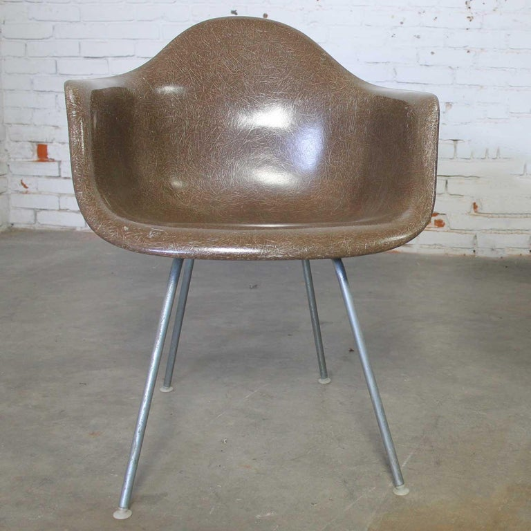 American Herman Miller Eames Molded Fiberglass DAX Shell Arm Chair  H Base in Seal Brown For Sale
