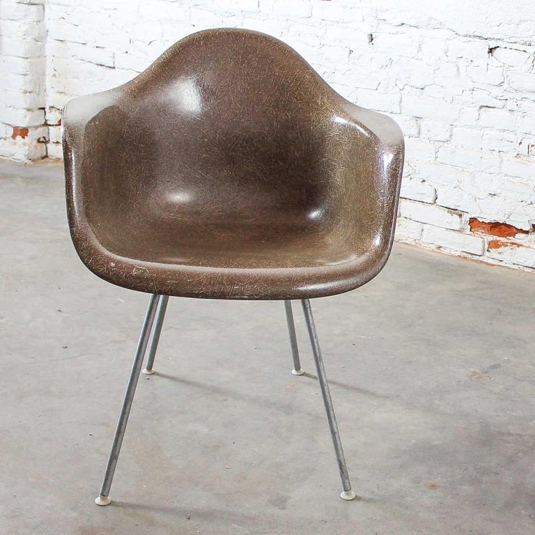 Herman Miller Eames Molded Fiberglass DAX Shell Arm Chair  H Base in Seal Brown For Sale 1
