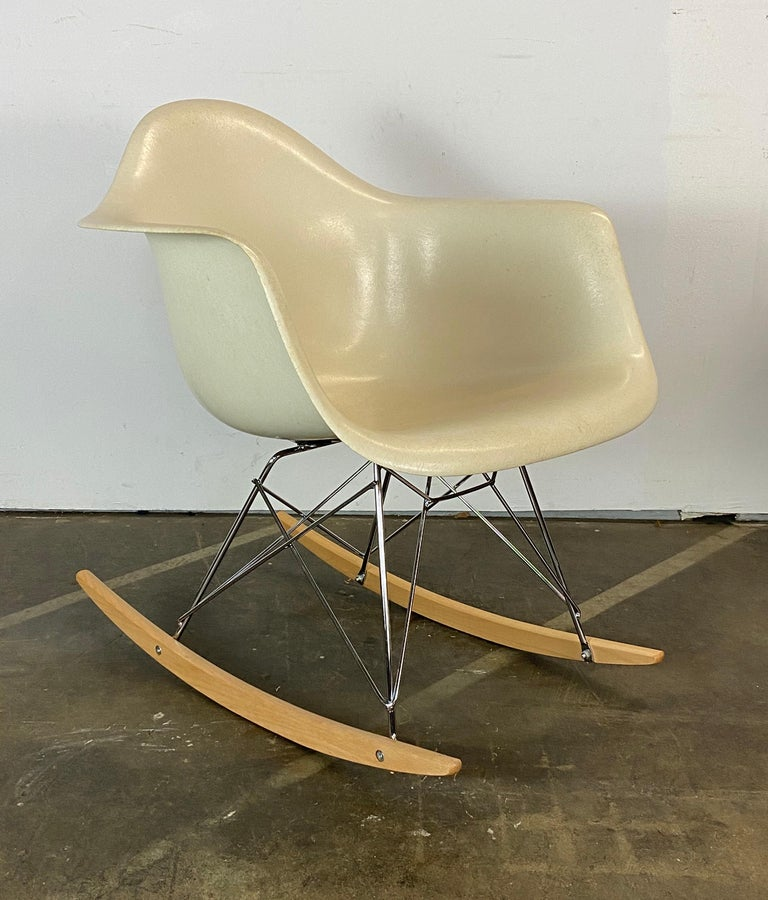 American Herman Miller Eames RAR Rocker in Parchment For Sale