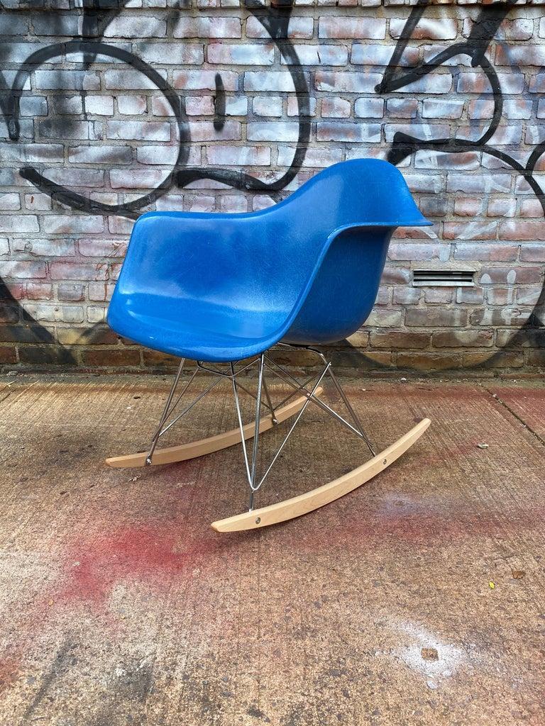 American Herman Miller Eames Mode RAR Rocker in Ultramarine Blue For Sale