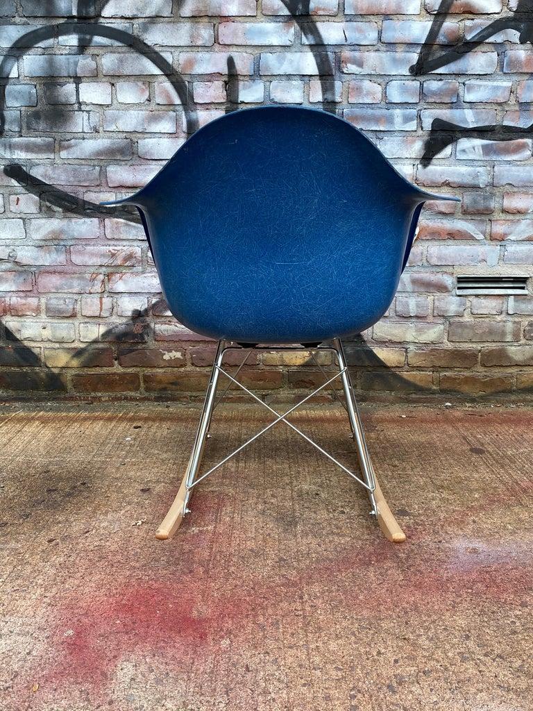 Herman Miller Eames Mode RAR Rocker in Ultramarine Blue For Sale 1