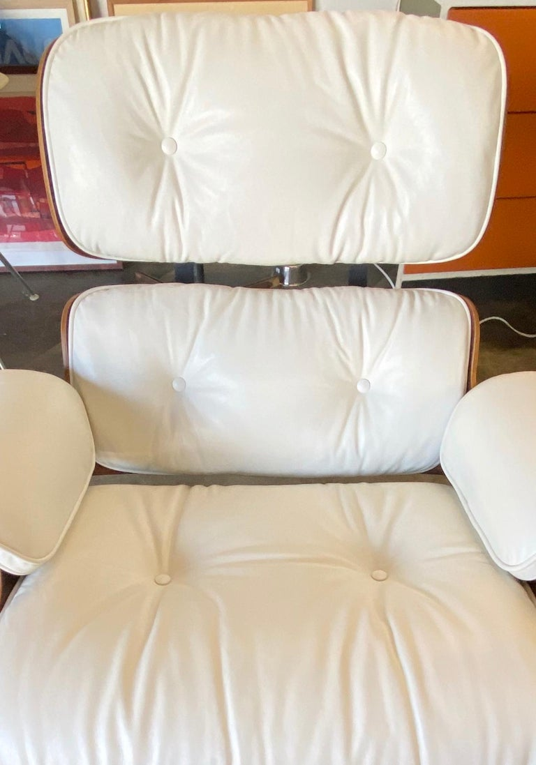 Herman Miller Eames Rosewood Lounge Chair and Ottoman with New White Leather For Sale 7