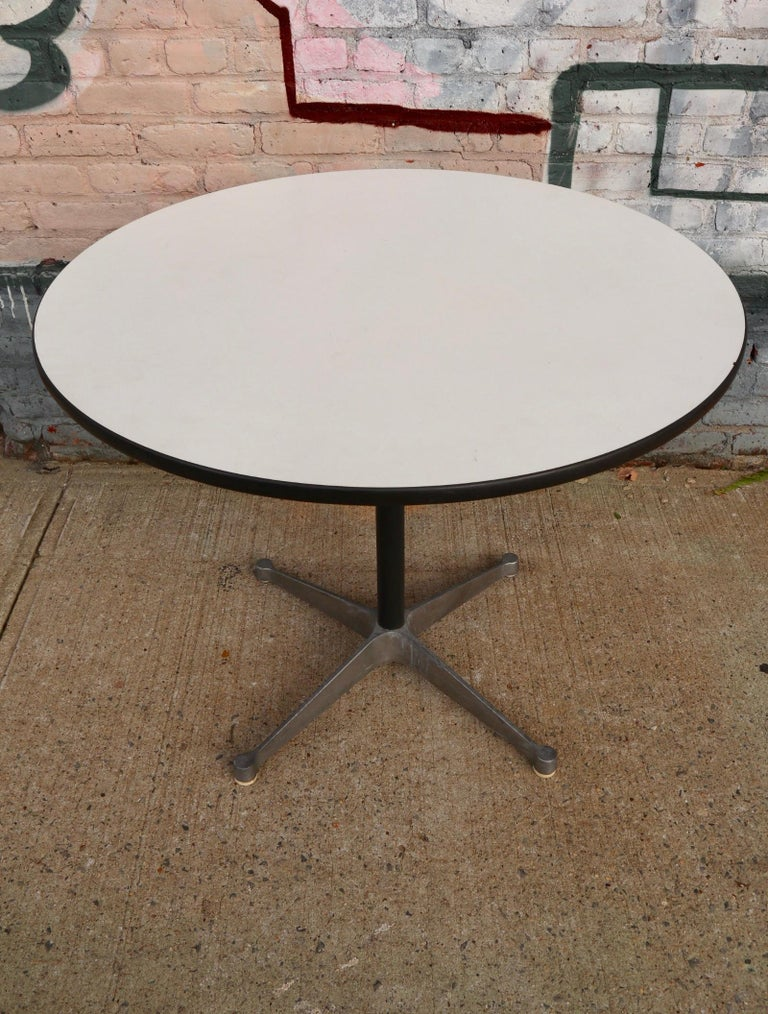 Mid-Century Modern Herman Miller Eames Round Dining Table with Aluminum Base