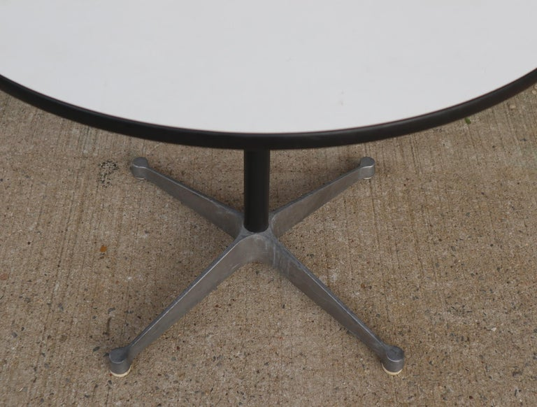 Herman Miller Eames Round Dining Table with Aluminum Base 1