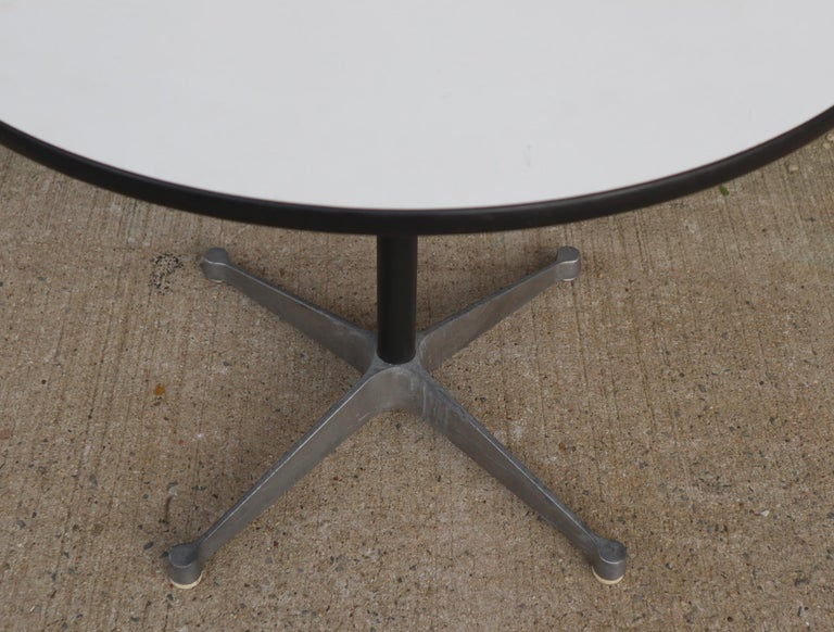 Herman Miller Eames Round Dining Table with Aluminum Base 2