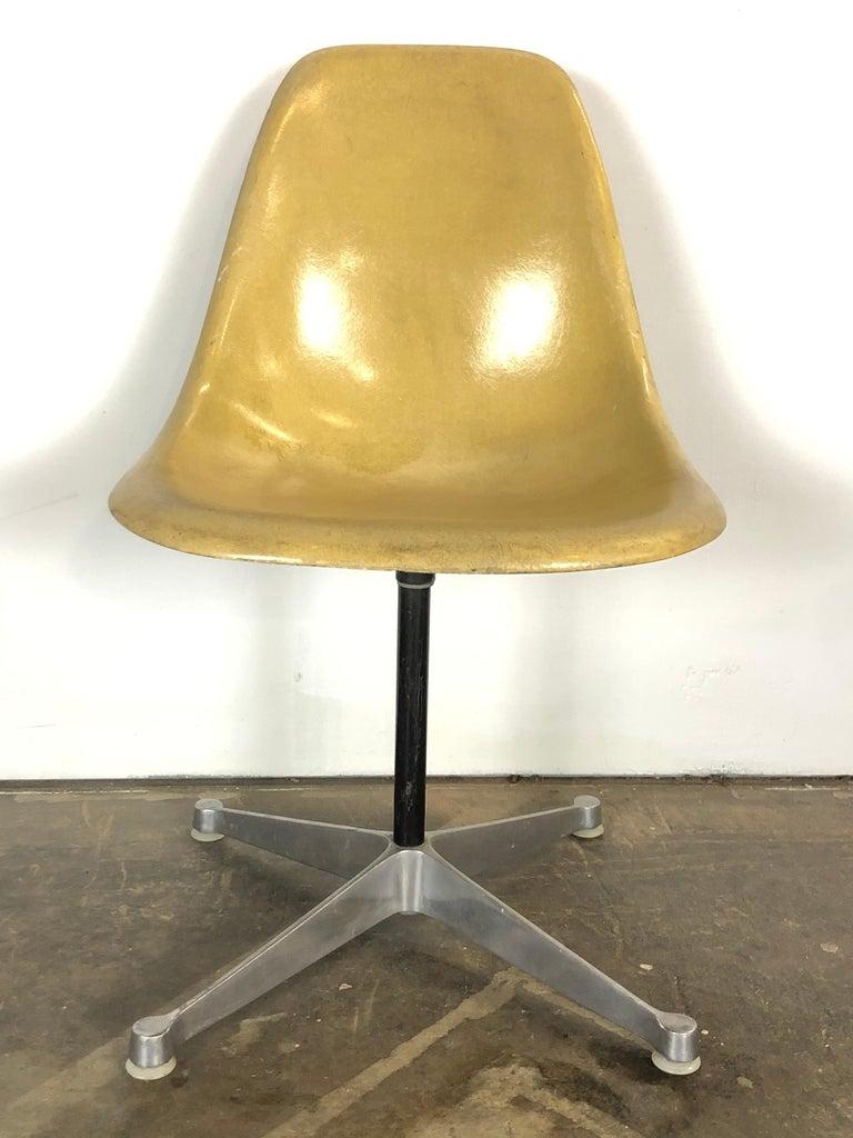 Herman Miller Eames Swivel Desk Chair for Home Office 3