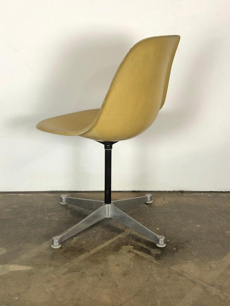 Aluminum Herman Miller Eames Swivel Desk Chair for Home Office