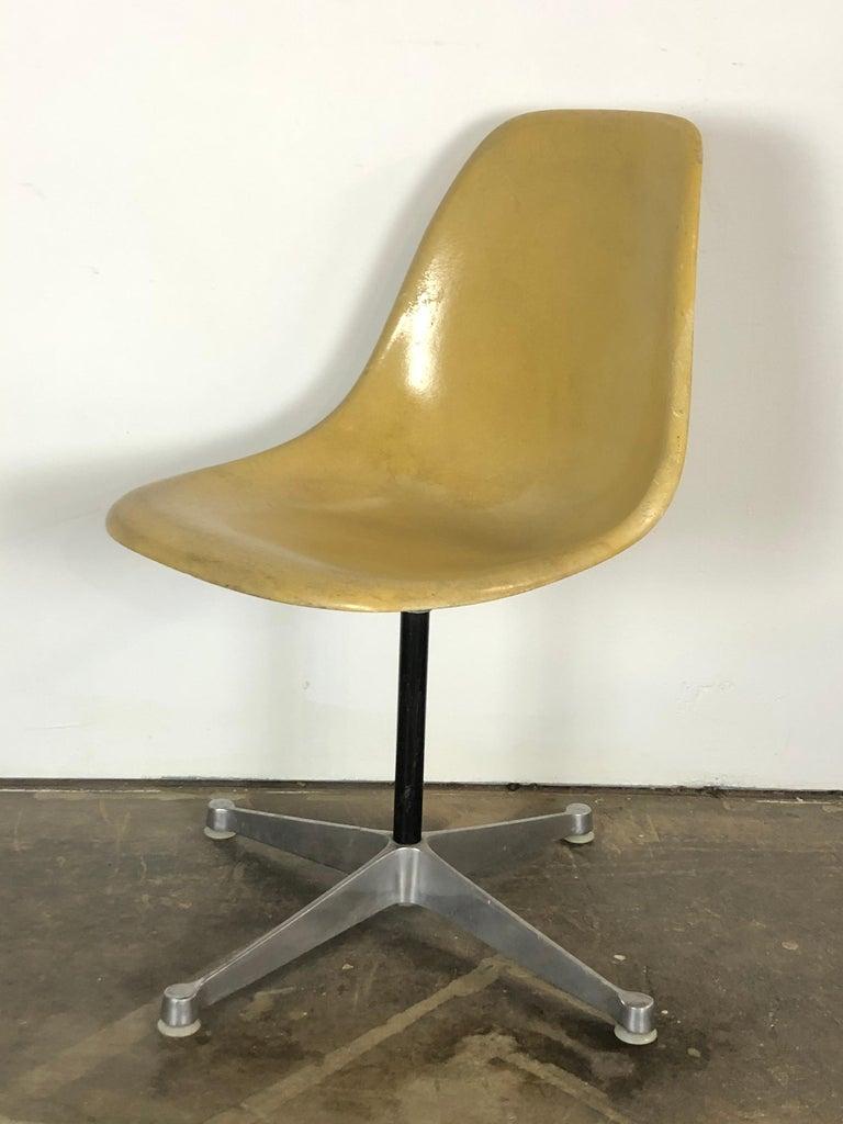 Herman Miller Eames Swivel Desk Chair for Home Office 2