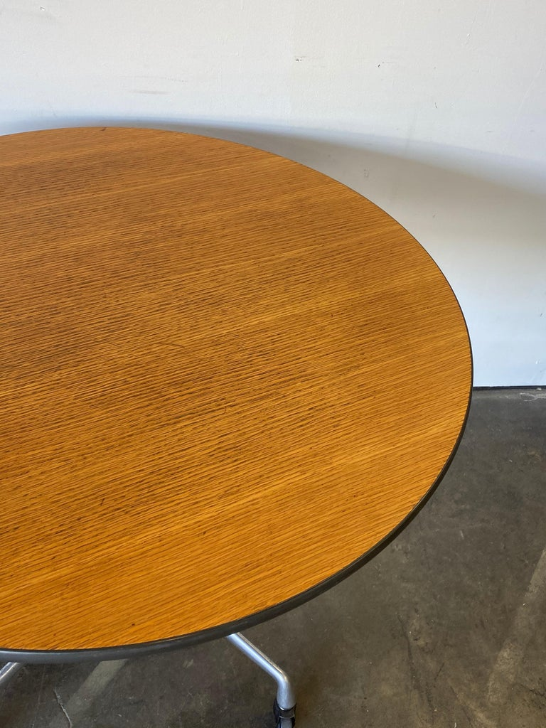 Herman Miller Eames Wood Top Dining Table on Aluminum Base with Casters In Good Condition For Sale In Brooklyn, NY