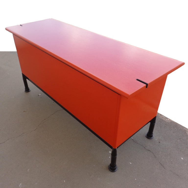 Late 20th Century Herman Miller Geoff Hollington Relay Series Credenza For Sale