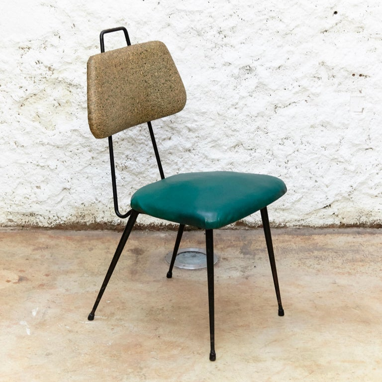 Hermanos Vidal Skie and Lacquered Metal Mid-Century Modern Chair, circa 1950 In Good Condition For Sale In Barcelona, Barcelona