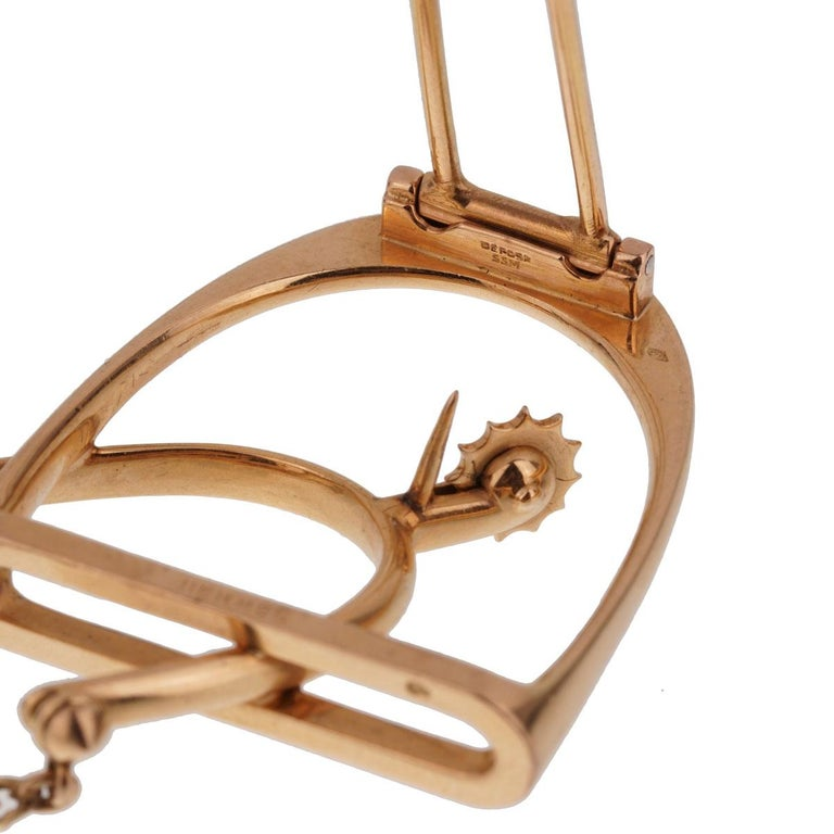Hermès 1960s Stirrup Yellow Gold Brooch For Sale 1