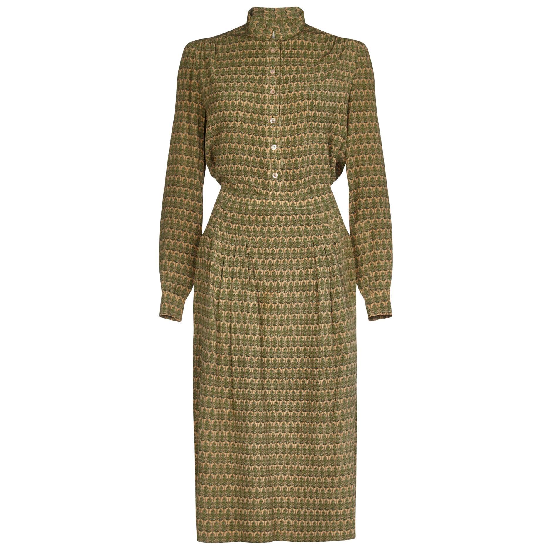 Hermes 1970s Silk Sage Green Oakleaf Print Blouse and Skirt Suit