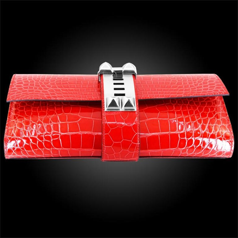 HERMES 23 cm Mississippiensis Lisse Alligator Clutch Bag In New Condition For Sale In New York, NY