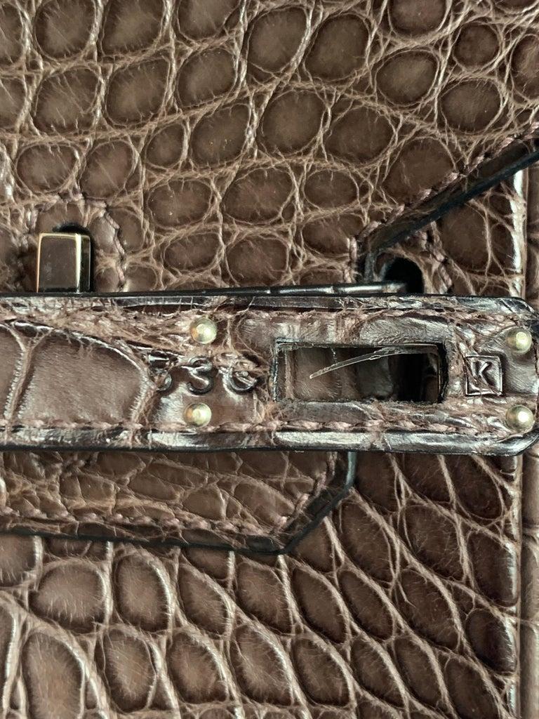 Women's HERMES 25 cm Brown Crocodile Birkin Bag For Sale