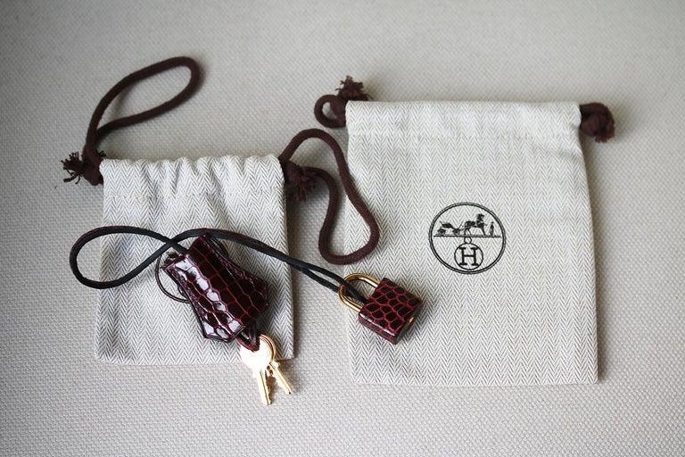 Hermès 35cm Burgundy Porosus Crocodile Gold H/W Birkin Bag  For Sale 6