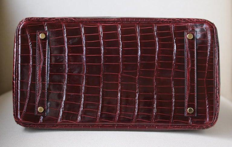 Hermès 35cm Burgundy Porosus Crocodile Gold H/W Birkin Bag  For Sale 1