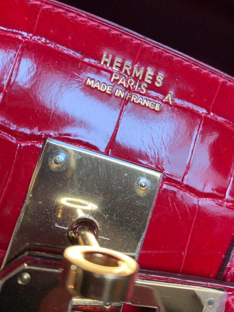 Women's Hermes 35cm Red Birkin Bag For Sale