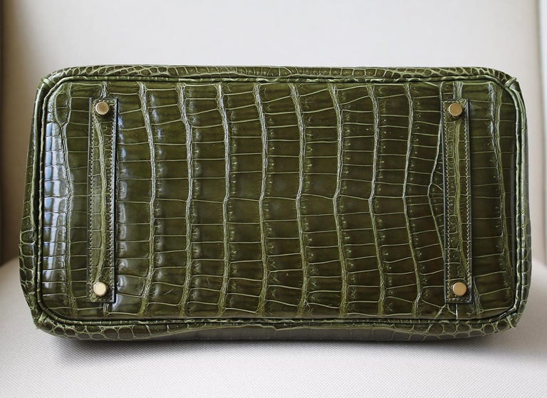 Hermès 35cm Vert Porosus Crocodile Gold H/W Birkin Bag For Sale 1
