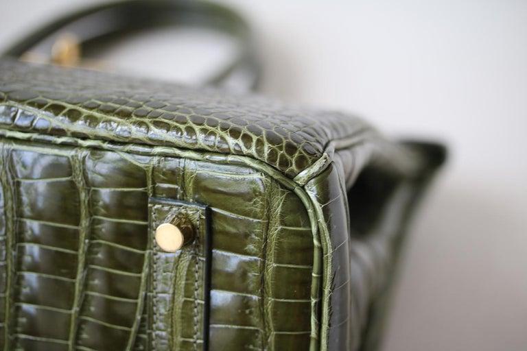 Hermès 35cm Vert Porosus Crocodile Gold H/W Birkin Bag For Sale 2