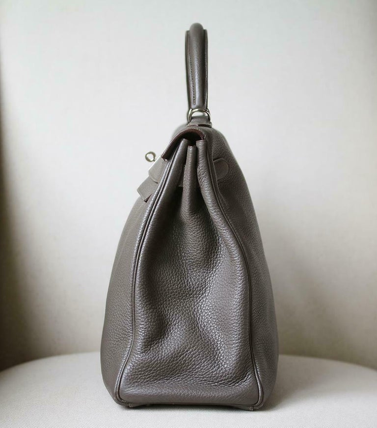 Gray Hermès 40cm Etain Clemence Palladium H/W Kelly Retourne Bag For Sale