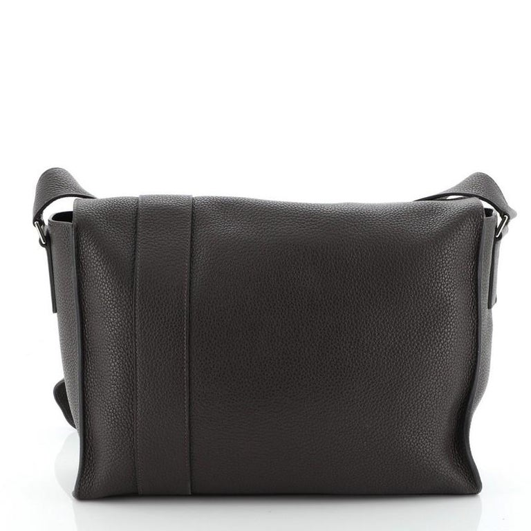 Hermes Alfred Messenger Bag Clemence 35 In Fair Condition For Sale In New York, NY