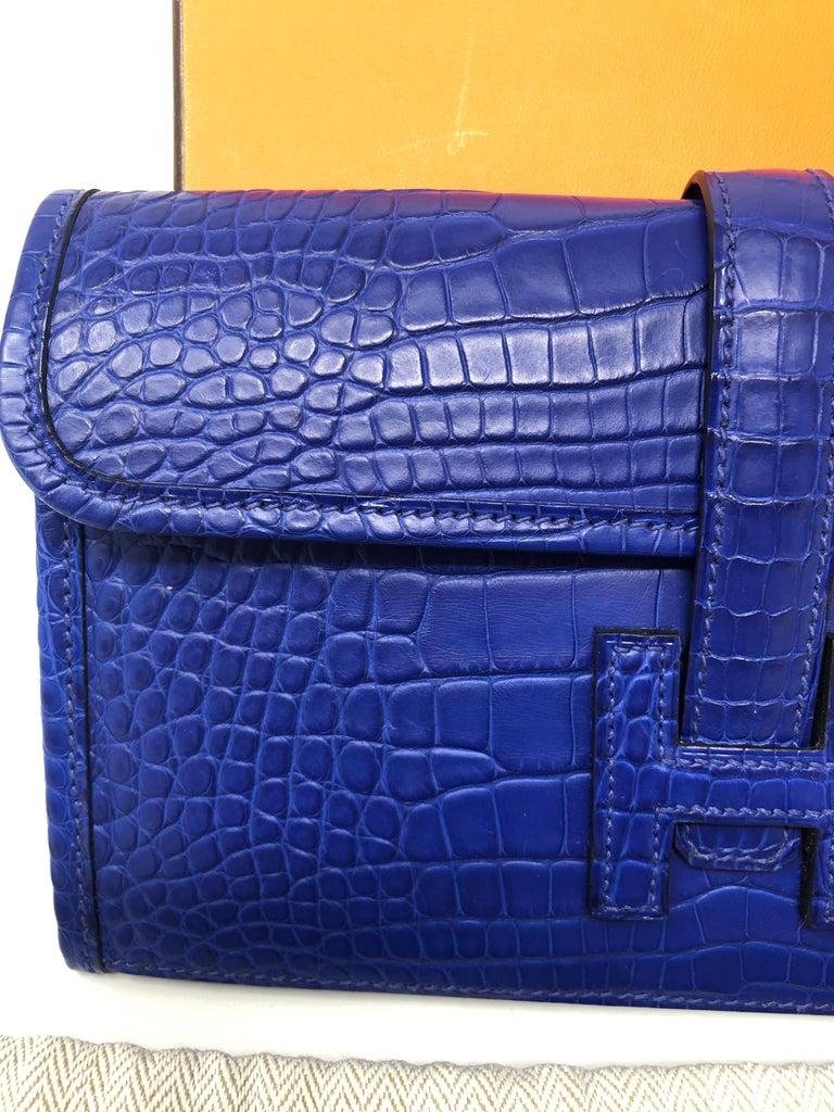 Women's or Men's Hermes Alligator Bleu Electrique Jige Duo Wallet   For Sale