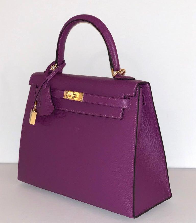 Women's or Men's Hermes Anemone Kelly 25  Epsom Sellier Bag Gold Hardware For Sale