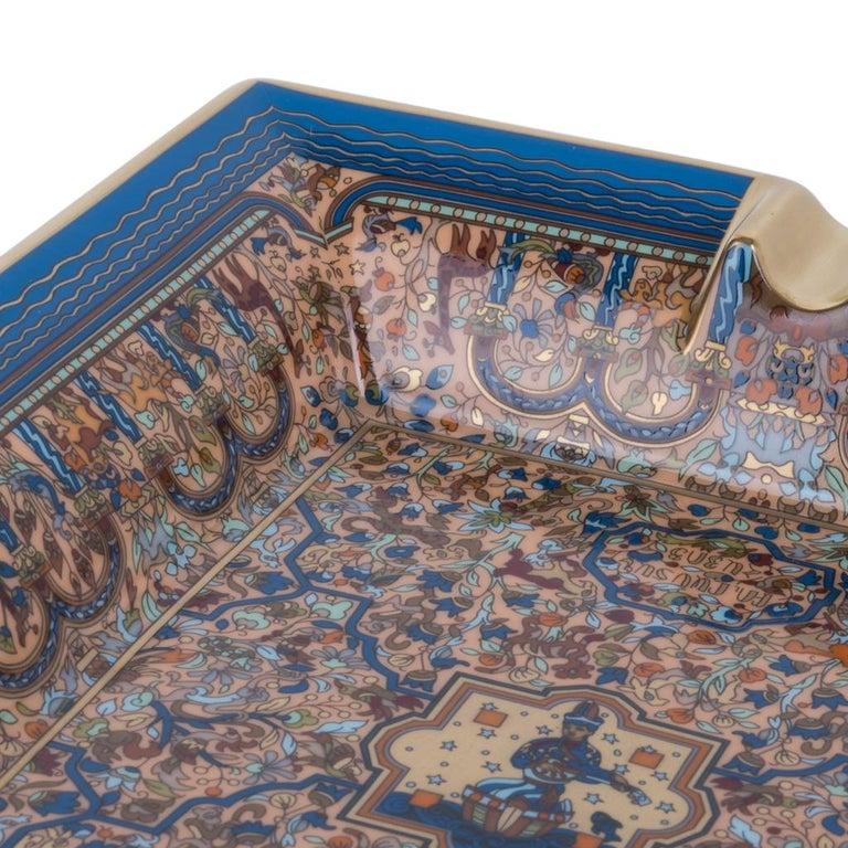 Hermes Ashtray Les Jardins D'Armenie Ashtray Bleu / Or Porcelain New w/ Box 2