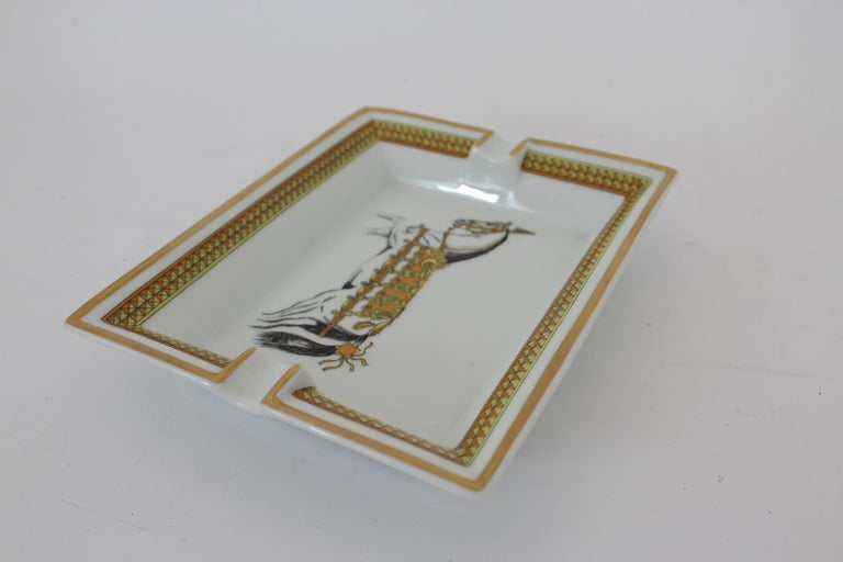 Hermes Ashtray Porcelain Equestrian White Gold Theme Horse 1990s  For Sale 6