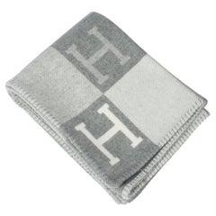 Hermes Avalon III Signature H Gris Clair and Ecru Throw Blanket