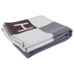 Hermes Avalon Vibration Throw Blanket Gris / Ecru Wool / Cashmere New