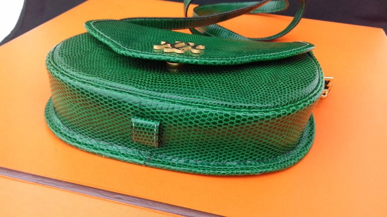Exceptional Hermès Lift Bag 4 ways Emerald Green Lizard H Buckle Ghw Rare In Good Condition For Sale In ., FR