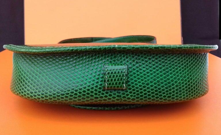 Exceptional Hermès Lift Bag 4 ways Emerald Green Lizard H Buckle Ghw Rare For Sale 4