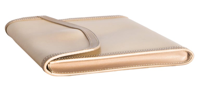 Hermes Beige Leather Envelope Evening Flap Clutch Bag With Tan Trim In Excellent Condition For Sale In Palm Beach, FL